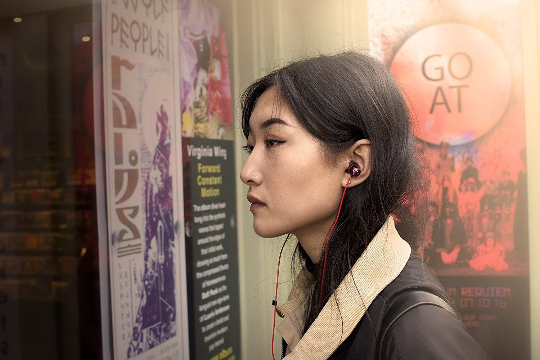 Soundmagic E10 หูฟัง In-Ear Noise Isolating Hi-Fi Award สีฟ้า ของแท้ ประกันศูนย์ 1ปี (Blue)
